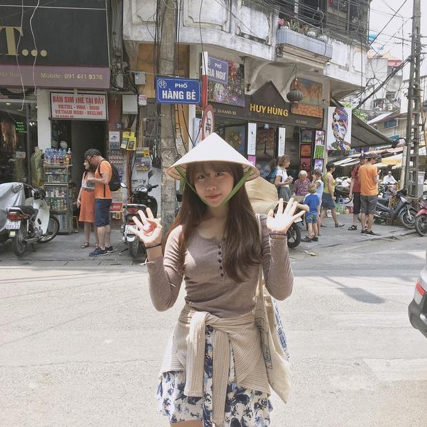 Cùng ngắm nhìn Minh Nghi và 6 nữ thần MC xinh đẹp nhất của làng LMHT thế giới (P.1) - Ảnh 6.