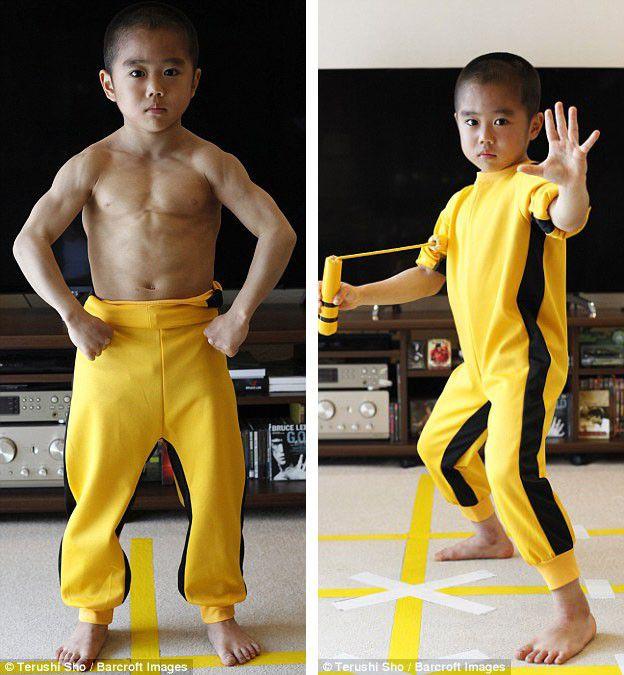 Sự thật về bộ trang phục vàng đen huyền thoại của Lý Tiểu Long: Hóa ra được chọn chỉ vì khổ chủ sợ bẩn - Ảnh 4.