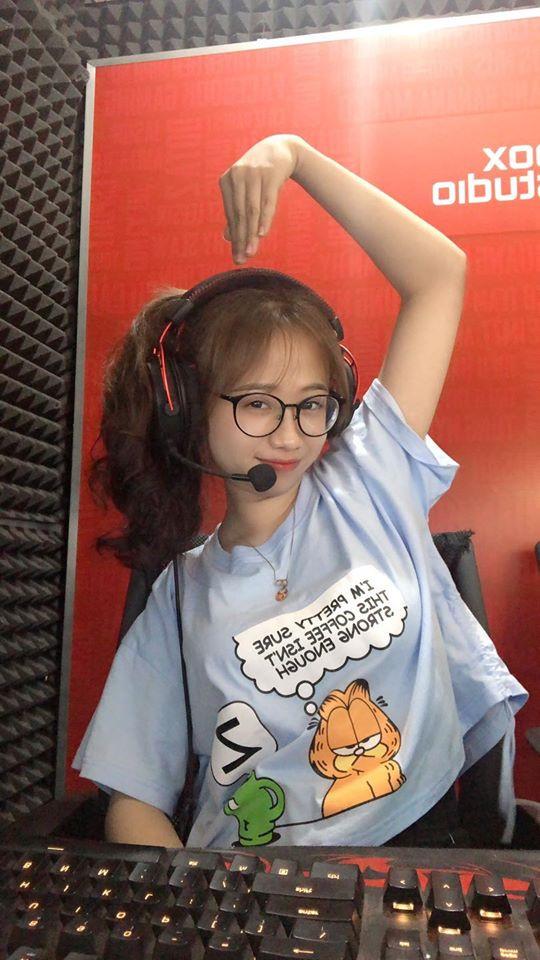 Loạt cao thủ Yasuo Việt Nam cũng bị lu mờ bởi giọng nói ngọt ngào của nữ BLV lần đầu lên sóng VETV - Ảnh 4.