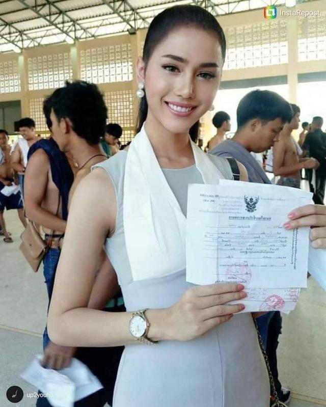 Loạt hình các người đẹp chuyển giới Thái Lan sẵn sàng nhập nghĩa vụ quân sự - Ảnh 2.