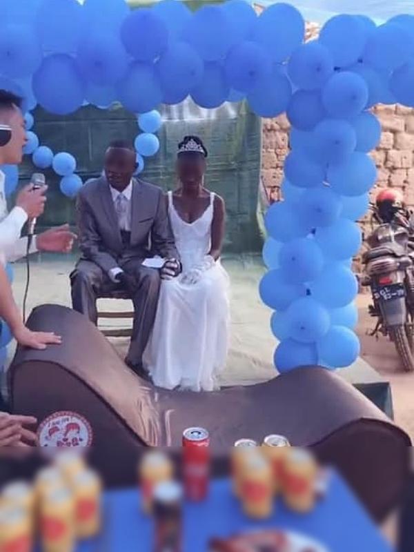 Mang ghế tình yêu làm quà tặng đám cưới ở châu Phi, chàng Youtuber Việt khiến dân mạng cười không ngớt - Ảnh 5.