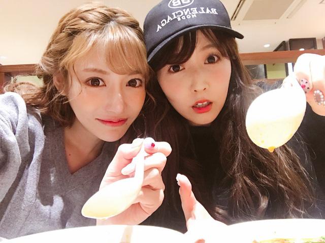 Loạt cặp bạn thân nổi tiếng trong làng AV Nhật Bản: Toàn gái xinh bắt cặp với nhau! - Ảnh 2.