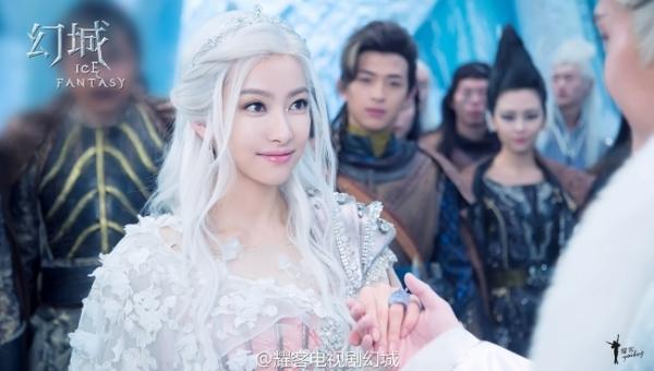 Loạt mỹ nhân Hoa ngữ đọ độ quyến rũ trong tạo hình tóc trắng - Ảnh 11.