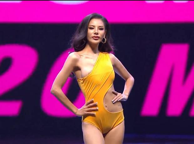 Vì áo tắm lởm của ban tổ chức, hàng loạt thí sinh Miss Grand Thailand 2020 lộ ngực trên sóng livestream - Ảnh 3.