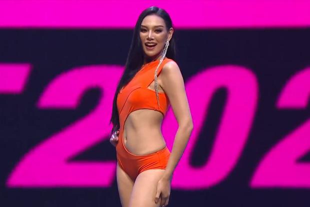 Vì áo tắm lởm của ban tổ chức, hàng loạt thí sinh Miss Grand Thailand 2020 lộ ngực trên sóng livestream - Ảnh 7.