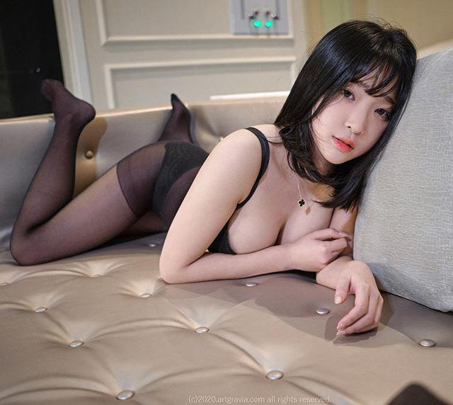 Bất ngờ đăng ảnh siêu táo bạo lên khoe, nàng streamer xinh đẹp khiến fan sốc nặng, cứ ngỡ đổi nghề sang Nhật diễn xuất - Ảnh 7.