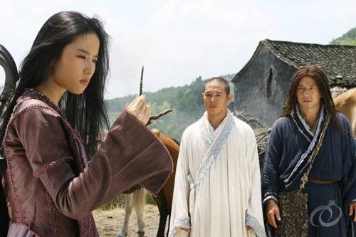 Lý Liên Kiệt từng cứu mạng Lưu Diệc Phi trên phim trường - Ảnh 2.