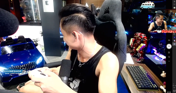 Độ Mixi được donate Đồ Long Đao trấn yểm trẻ trâu, cậu con trai Tùng Sói mới 3 tuổi đã sở hữu siêu xe cực xịn - Ảnh 3.
