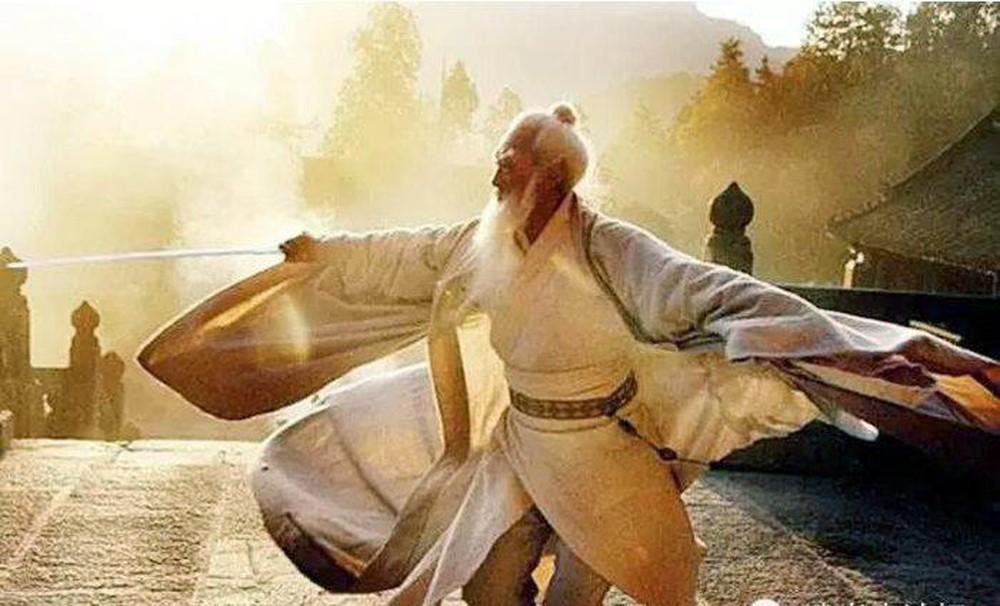 Võ công trước sau không ai sánh bằng, Độc Cô Cầu Bại còn kém 1 bậc nhưng Trương Tam Phong vẫn chỉ là... 1 vị tướng buff? - Ảnh 1.