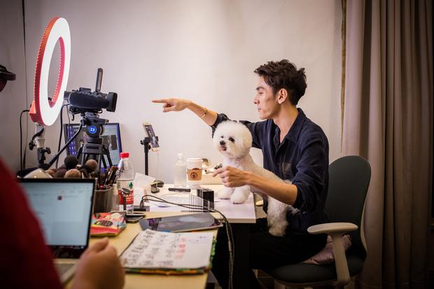 Góc khuất nghề nghiệp: 10 sự thật bất ngờ về streamer - công việc hái ra tiền bao người mơ ước ở Trung Quốc - Ảnh 2.