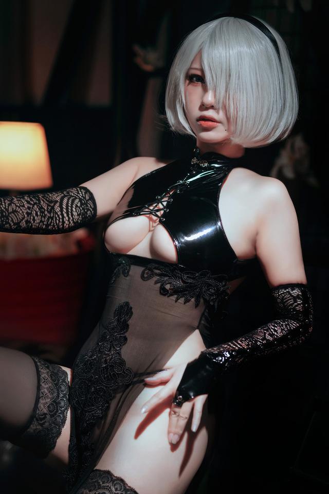 Điểm mặt những cô nàng hot girl siêu phẩm cosplay sở hữu vòng một ấn tượng nhất (P.2) - Ảnh 10.