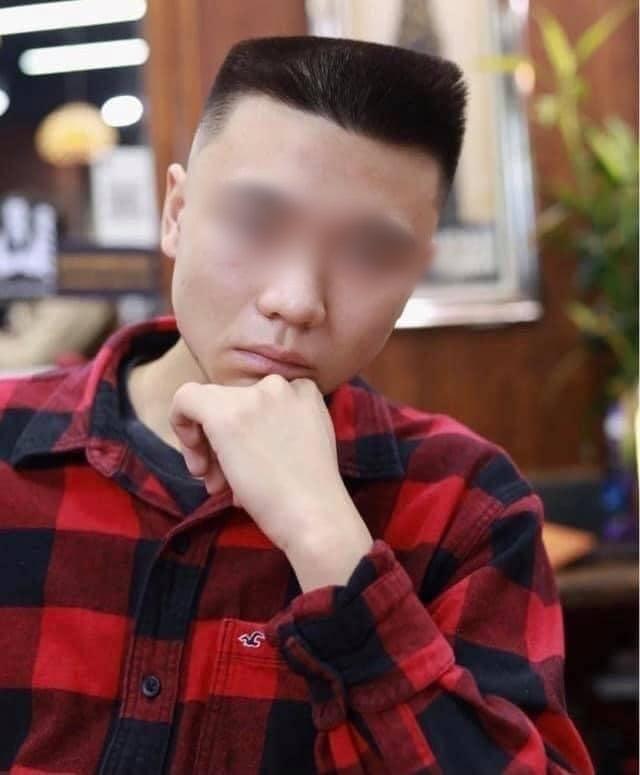 Order tiêu chuẩn kép Đầu đinh nhưng vẫn phải undercut, anh chàng khiến cộng đồng mạng ôm bụng bởi kiểu tóc không thể chất hơn - Ảnh 2.