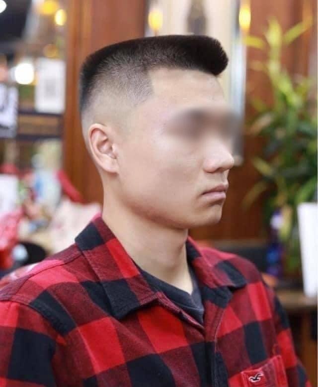 Order tiêu chuẩn kép Đầu đinh nhưng vẫn phải undercut, anh chàng khiến cộng đồng mạng ôm bụng bởi kiểu tóc không thể chất hơn - Ảnh 4.