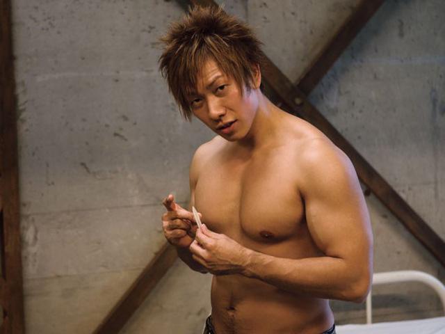 Ken Shimizu thể hiện bản lĩnh, làm thí nghiệm chứng minh sức chịu đựng gấp rưỡi người thường khi bị kích thích bởi gái xinh - Ảnh 1.