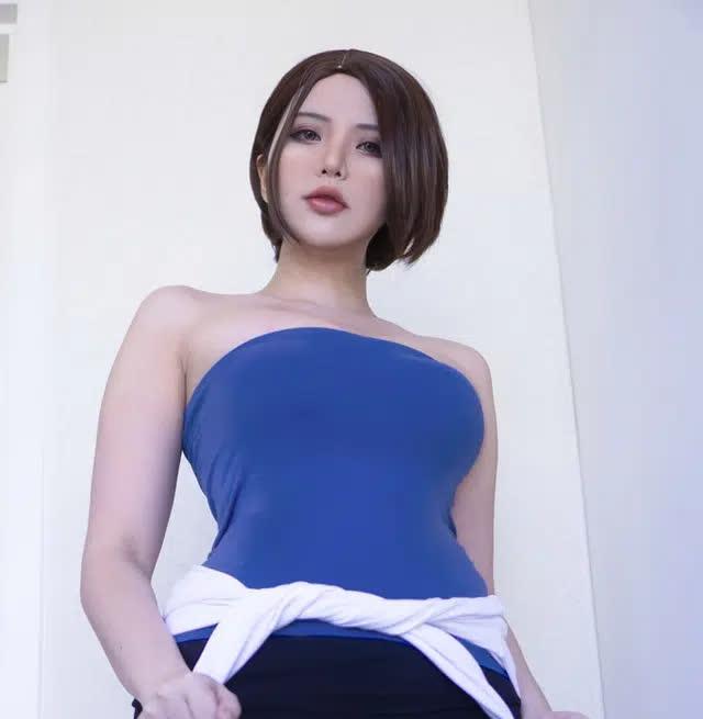 Coser nổi tiếng gốc Việt có bộ ngực siêu khủng lại khiến anh em nóng mắt khi hóa thân thành nàng Jill Valentine - Ảnh 9.