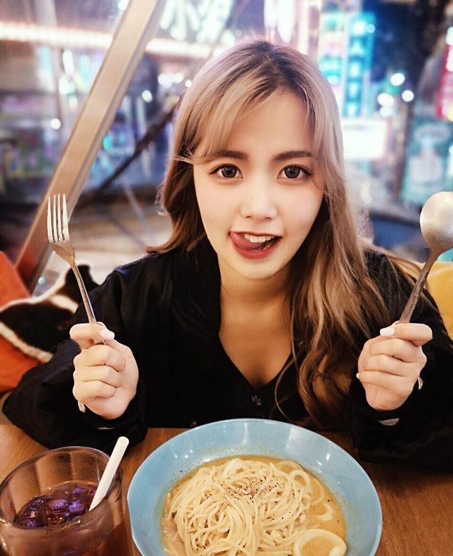 Ensha - cô nàng YouTuber xinh đẹp trong câu chuyện