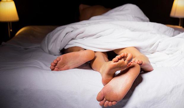 Đâu là mốc thời gian mà phụ nữ có nhu cầu quan hệ tình dục cao nhất trong ngày Photo-1-16110496823811869028849