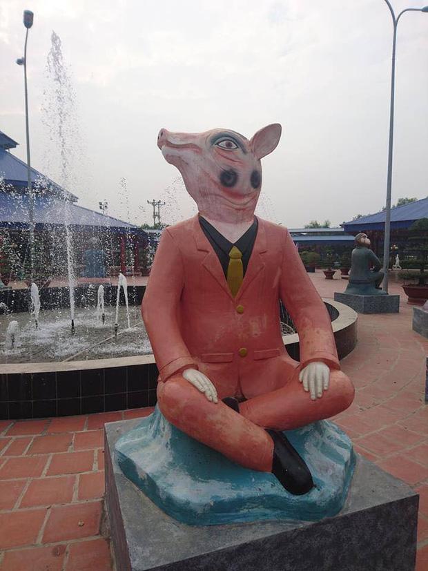 Bộ sưu tập các bức tượng được trang trí mặt ngáo nhất Việt Nam Photo-4-1611054870250179266688