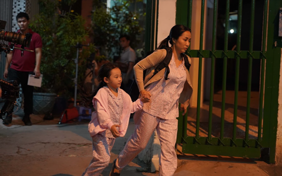 Lý Hải mất 10 ngày ròng rã quay cảnh hành động trên phim trường sân thượng - Ảnh 2.