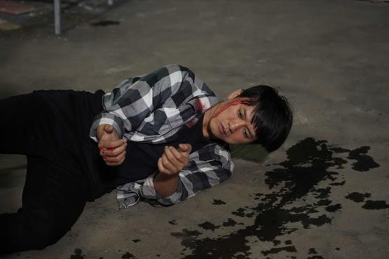 Lý Hải mất 10 ngày ròng rã quay cảnh hành động trên phim trường sân thượng - Ảnh 4.