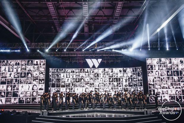 Hé lộ sân khấu Gala WeChoice Awards 2020: Đề cao sự tối giản, ẩn sau đó là ý tưởng sáng tạo và rất nhiều ý nghĩa - Ảnh 1.