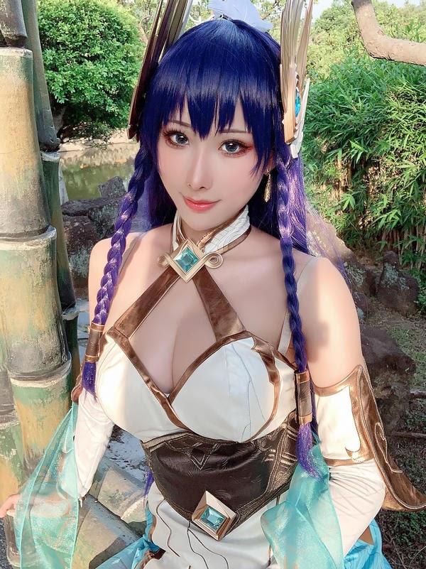 Thiêu đốt mọi ánh nhìn với cosplay Irelia Thánh Kiếm có tâm hồn cực đẹp - Ảnh 2.
