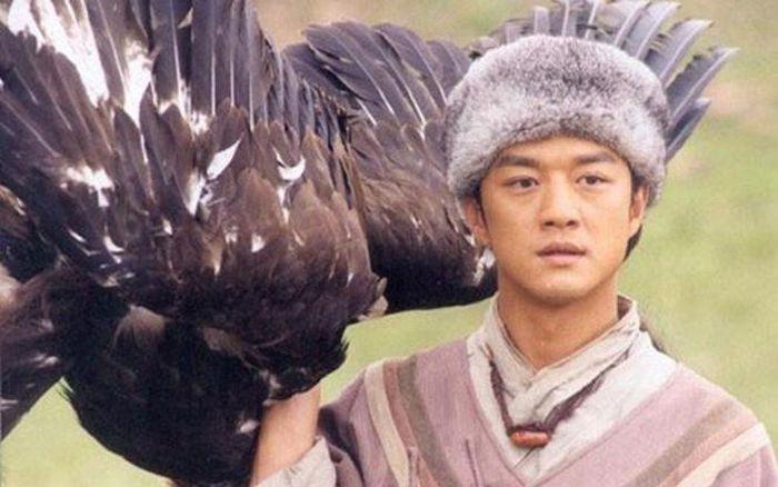 TOP 5 vua lì đòn thích 1 mình cân map trong truyện Kim Dung, càng đánh càng out trình - Ảnh 4.