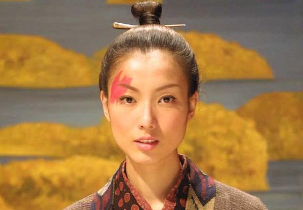 5 người phụ nữ xấu nhất lịch sử Trung Hoa phong kiến: Dung mạo trái ngược phận đời, dù không phải hồng nhan vẫn được hậu thế ngợi ca - Ảnh 3.