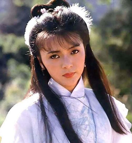 Mỹ nhân có nhan sắc trồi sụt lia lịa trong phim Kim Dung: Bản thì 500 anh em đua nhau chìa Ba Bích, bản thì cho chúng tôi còn đánh thêm - Ảnh 4.