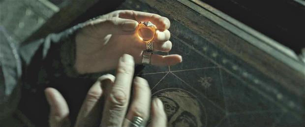Tin được không, Harry Potter và Voldemort hóa ra là... anh em họ: Tác giả đã khẳng định, bằng chứng rõ rành rành nghe mà sốc óc! - Ảnh 3.