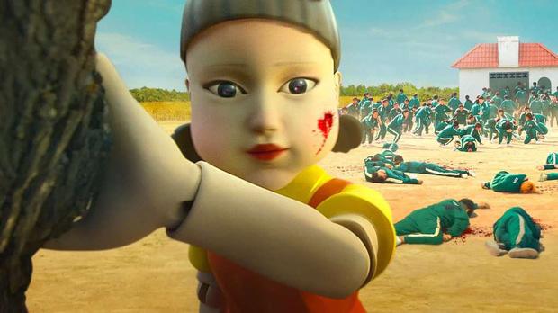Té xỉu nguyên mẫu bé búp bê ám ảnh ở Squid Game: Kinh điển đến độ lên cả phim lẫn K-pop, dân Hàn giờ chắc sợ tới già! - Ảnh 10.