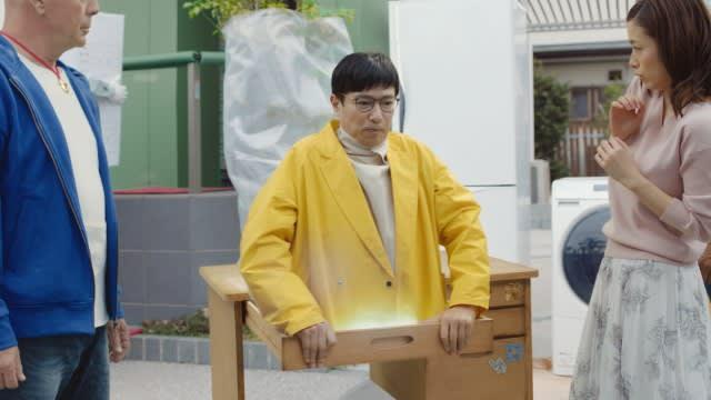 Giật mình khi thấy Nobita U50 phiên bản live-action, già đau đớn nhưng vẫn hậu đậu, vụng về - Ảnh 4.