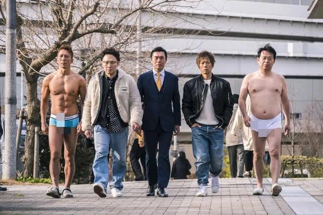nam chính của ngành công nghiệp phim 18+ Nhật Bản chỉ giảm chứ không tăng Photo-1-1633325863071612495384-16333258866891736026100-1633325900114922965712