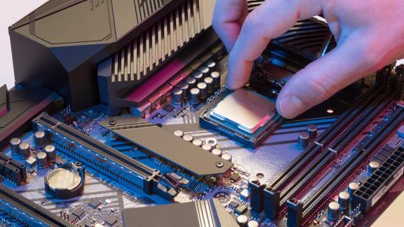 Ép xung CPU - Cách đơn giản để máy tính yếu trở nên nhanh hơn, mạnh hơn - Ảnh 1.