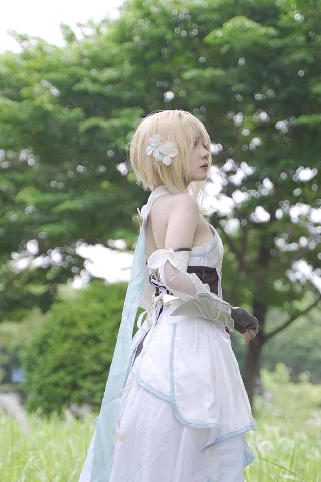 Nữ coser xinh đẹp người Việt gây sốt với bộ ảnh Genshin Impact - Ảnh 5.