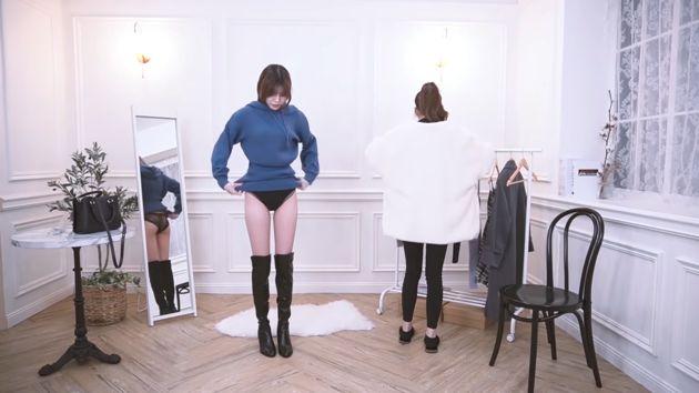 Tiết kiệm tiền thuê mẫu, nữ streamer tự thay quần áo ngay trên sóng, để nguyên không cắt những cảnh nóng - Ảnh 4.