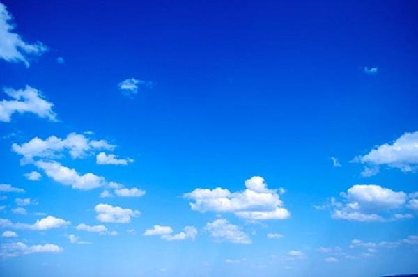 Câu hỏi xoắn não: Tại sao bầu trời có màu xanh và vũ trụ có màu đen? - Ảnh 1.