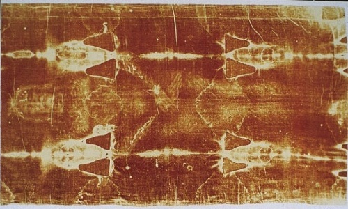 Tấm vải liệm đẫm máu xứ Turin: Nghi vấn rùng rợn còn sót lại từ thời Trung Cổ - Ảnh 2.