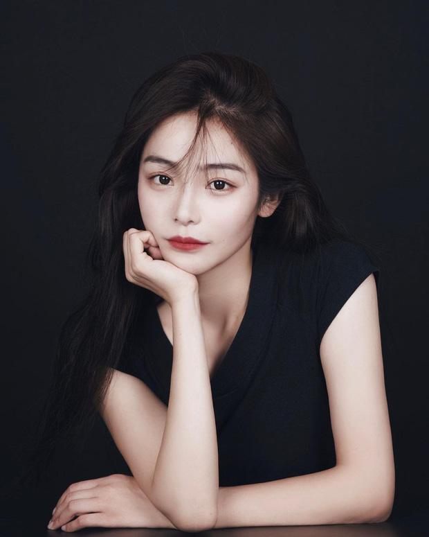 Thần tiên tỷ tỷ Lưu Diệc Phi không phải là đóa hoa nổi bật nhất Mulan 2020 mà chính là nữ diễn viên này đây - Ảnh 3.