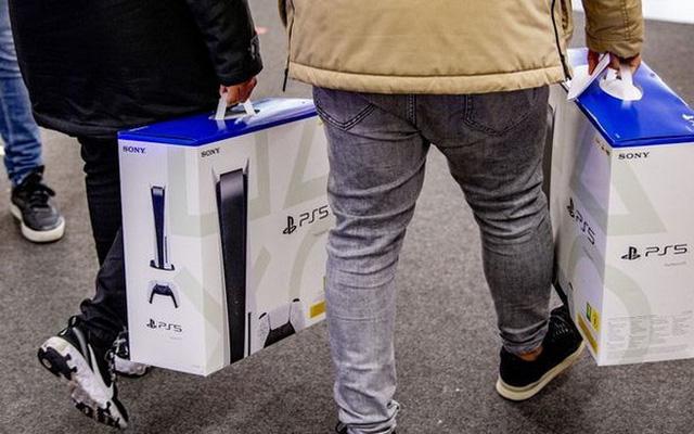 Bán được 4,5 triệu máy PS5, Sony vẫn than lỗ - Ảnh 1.