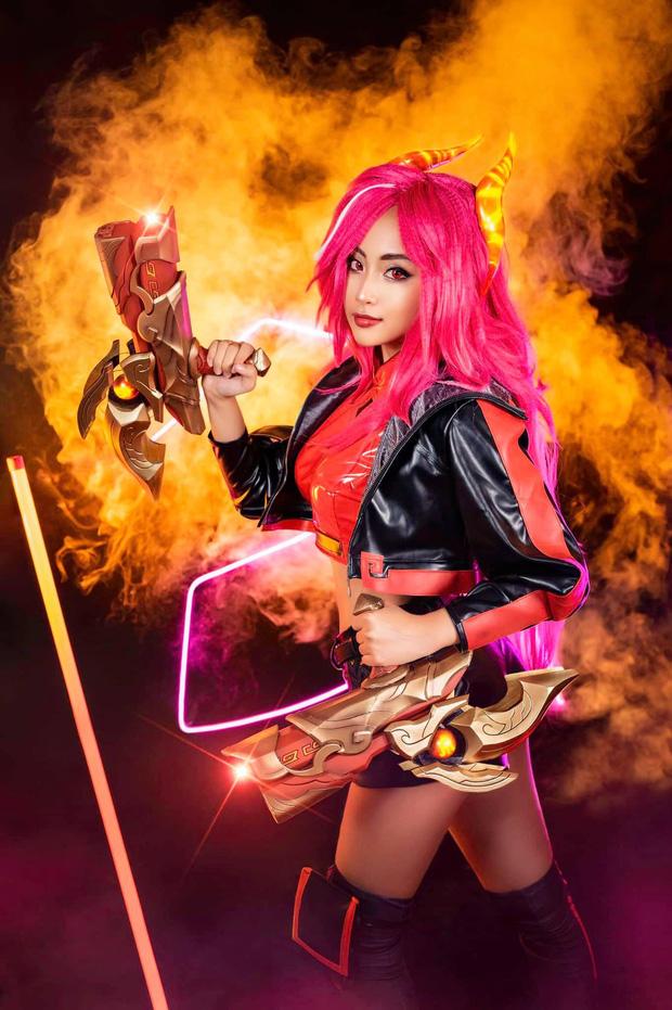 Nữ thần Minh Nghi lột xác với màn cosplay Tốc Chiến siêu chất, thần thái cực đỉnh khiến fan điêu đứng - Ảnh 3.