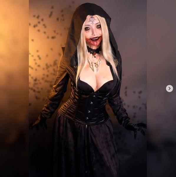 Catch your eye with the photo set of cosplayer of Vietnamese origin incarnating female vampire in Resident Evil 8 - Photo 7.