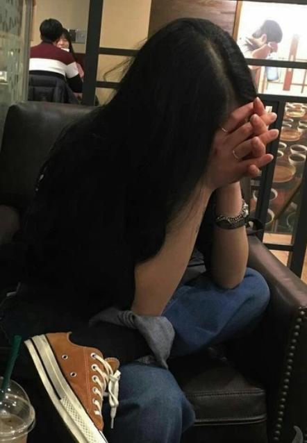 Cố tình gây tai nạn để có người yêu như trên mạng, cô gái nhận ăn trọn combo: bị chửi, gãy chân, mất tiền - Ảnh 3.