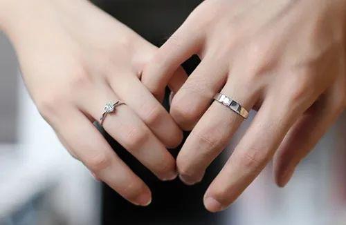 """Chi hơn 200 triệu đồng mua nhẫn kim cương để chứng tỏ yêu thật lòng, chàng trai tá hỏa khi phát hiện bạn gái là """"cú có gai"""" - Ảnh 2."""