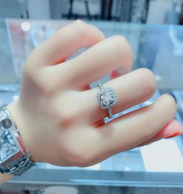 """Chi hơn 200 triệu đồng mua nhẫn kim cương để chứng tỏ yêu thật lòng, chàng trai tá hỏa khi phát hiện bạn gái là """"cú có gai"""" - Ảnh 4."""