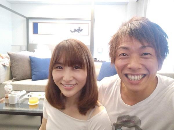 Được hỏi về hot girl đóng chung 10 phim với chồng mình, vợ Ken Shimizu bực tức, cáu gắt bất ngờ - Ảnh 1.