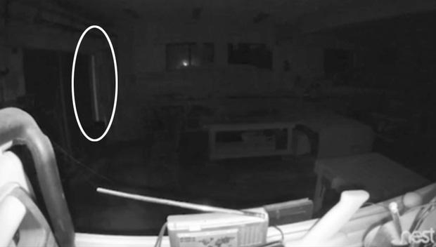 Lắp camera giám sát, chàng trai hoảng hồn khi thấy bóng ma và âm thanh lạ vào lúc 3h sáng - Ảnh 3.