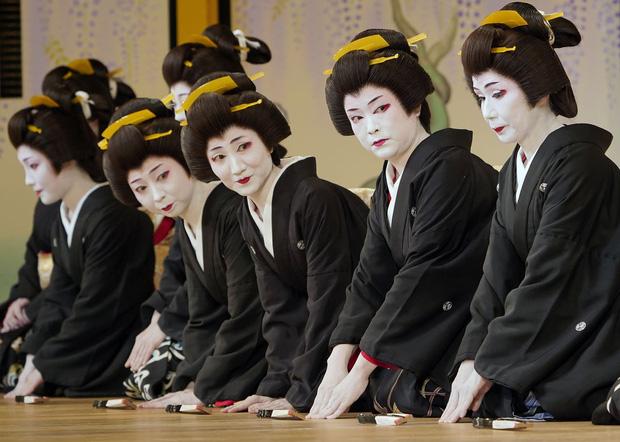 Cấm bán thân là quy định và pháp lệnh với thế giới geisha