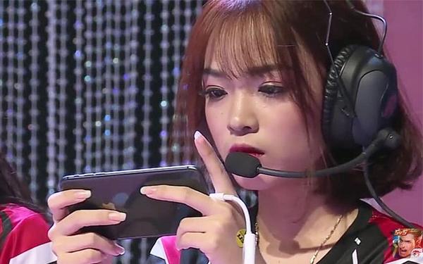 Hot girl Liên Quân phát cáu, liên tục chửi thề trên status vì sự cố bất ngờ - Ảnh 3.