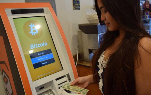 ATM Bitcoin tràn ra khắp nước Mỹ: Đút vào 1 đồng lấy ra tương đương 923 triệu VNĐ - có thật dễ ăn như vậy không? - Ảnh 1.